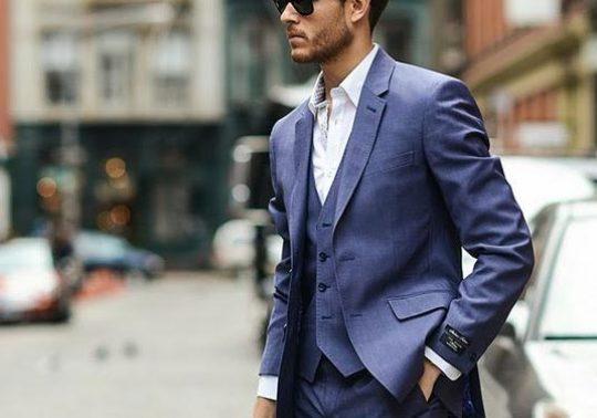 Mavi renkli takım elbiseler